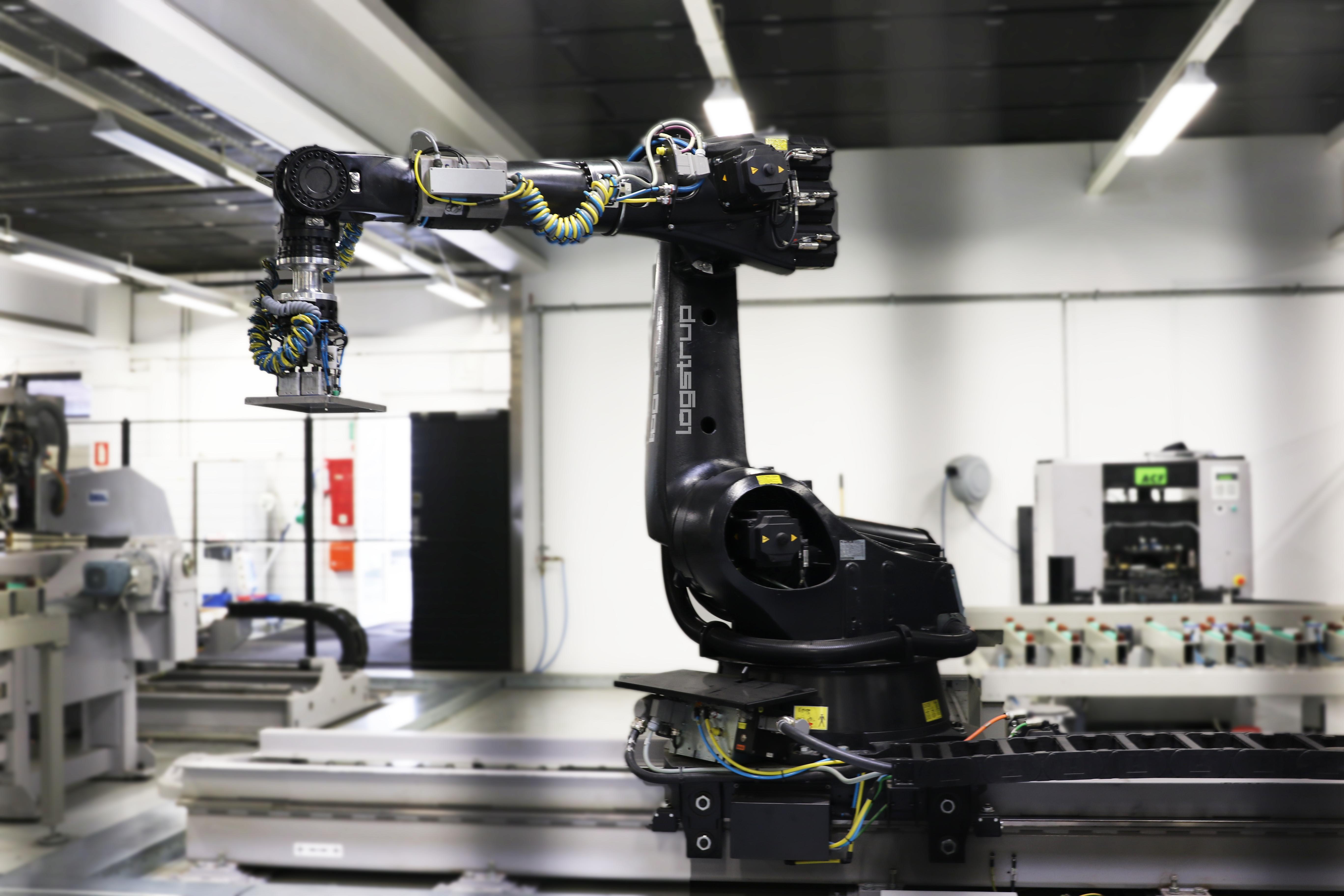 Logstrup Steel A/S Production Robot
